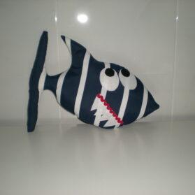 Muñeco en forma de tiburón